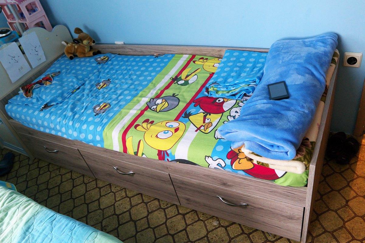 Детско легло с чекмеджета